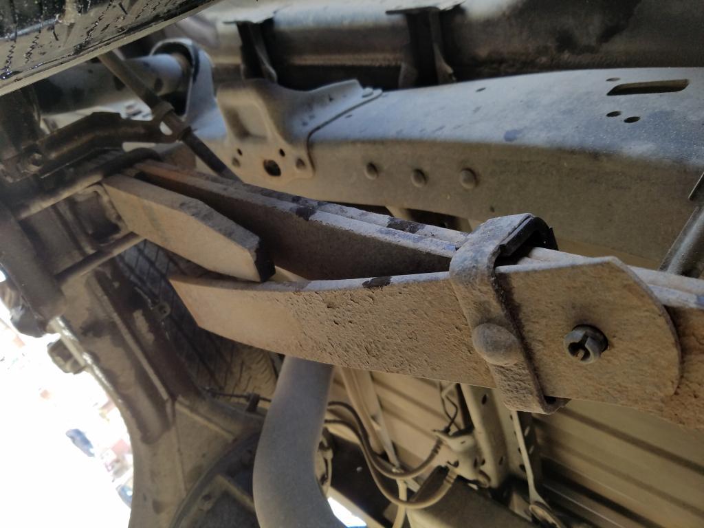 2010 Toyota Tundra Broken Leaf Springs 3 Complaints