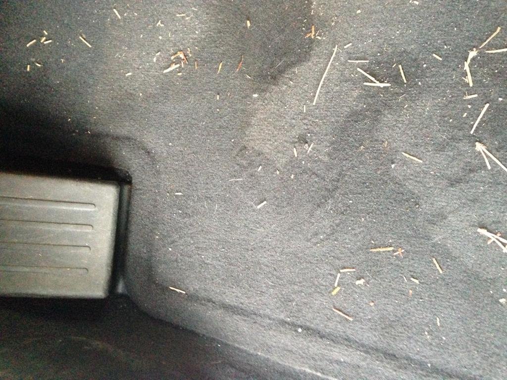 2007 Saturn Outlook Water Leaking Into Vehicle Interior 1 Complaints