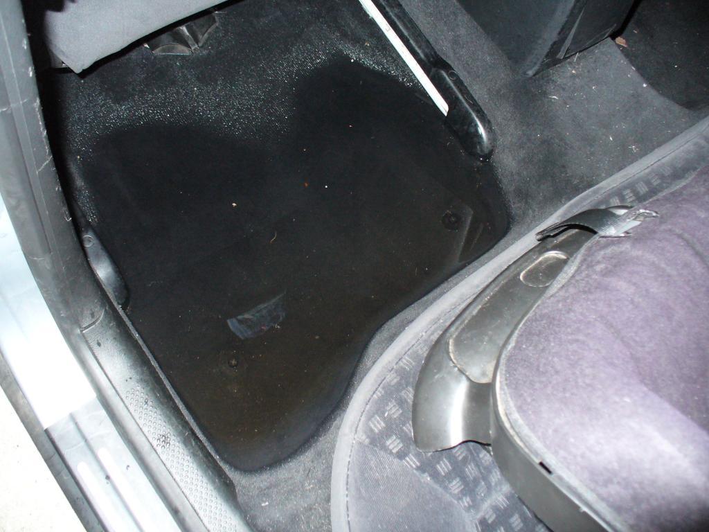 2003 Volkswagen Passat Water Leaking In 3 Complaints
