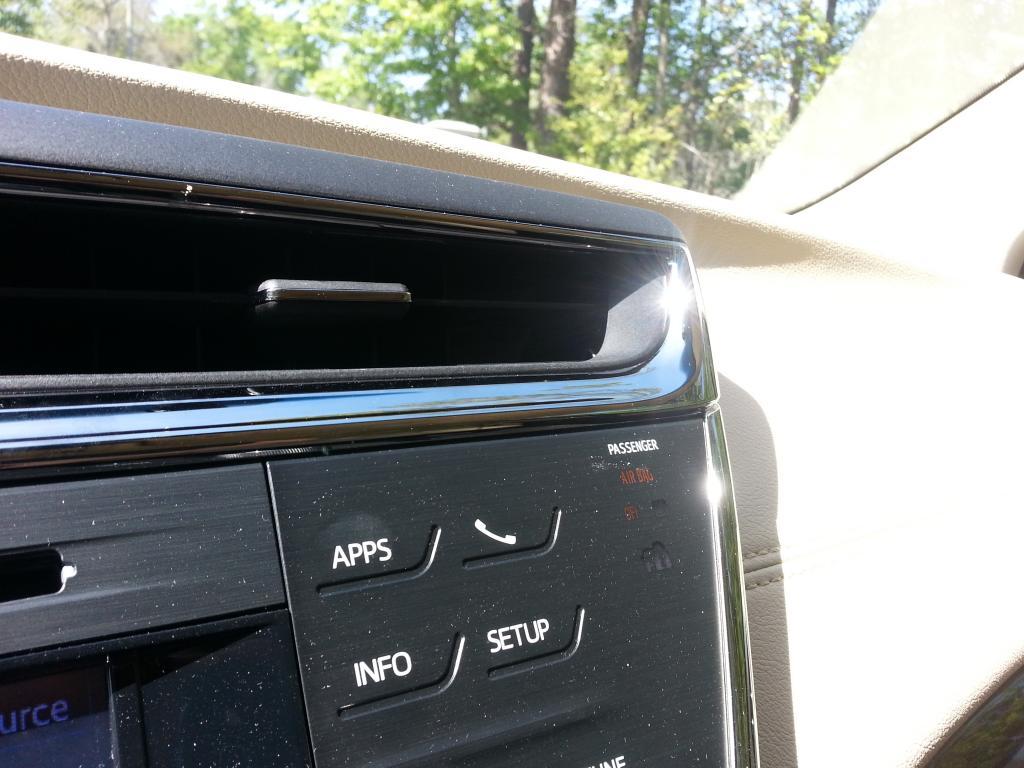 2013 toyota avalon hybrid glare from chrome on dashboard - 2013 toyota camry interior parts ...