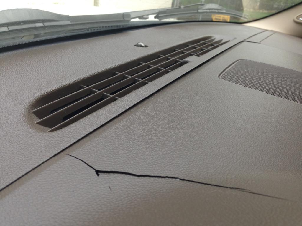Used 2015 Tahoe >> 2010 Chevrolet Tahoe Cracked Dashboard: 3 Complaints