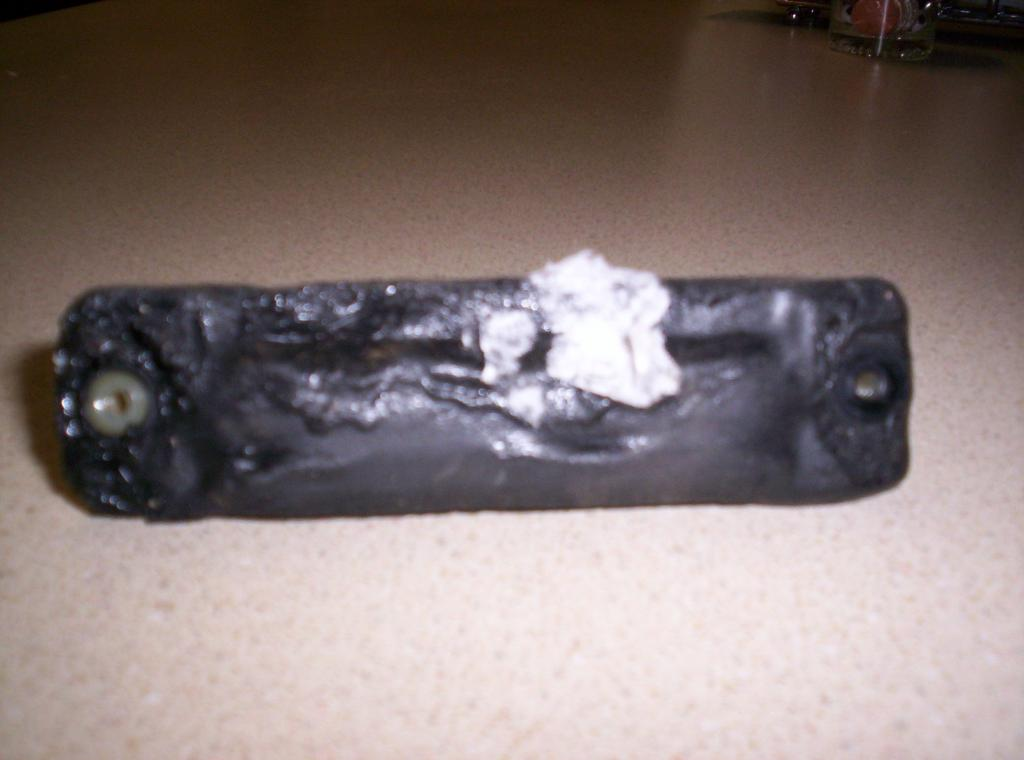 2008 Toyota Sienna Rubber Melted On Trunk Door Handle 1