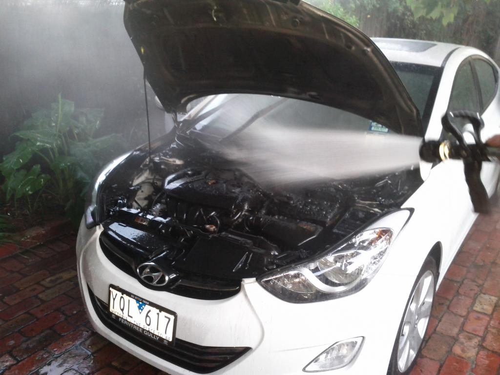 2011 Hyundai Elantra Engine Caught Fire 1 Complaints
