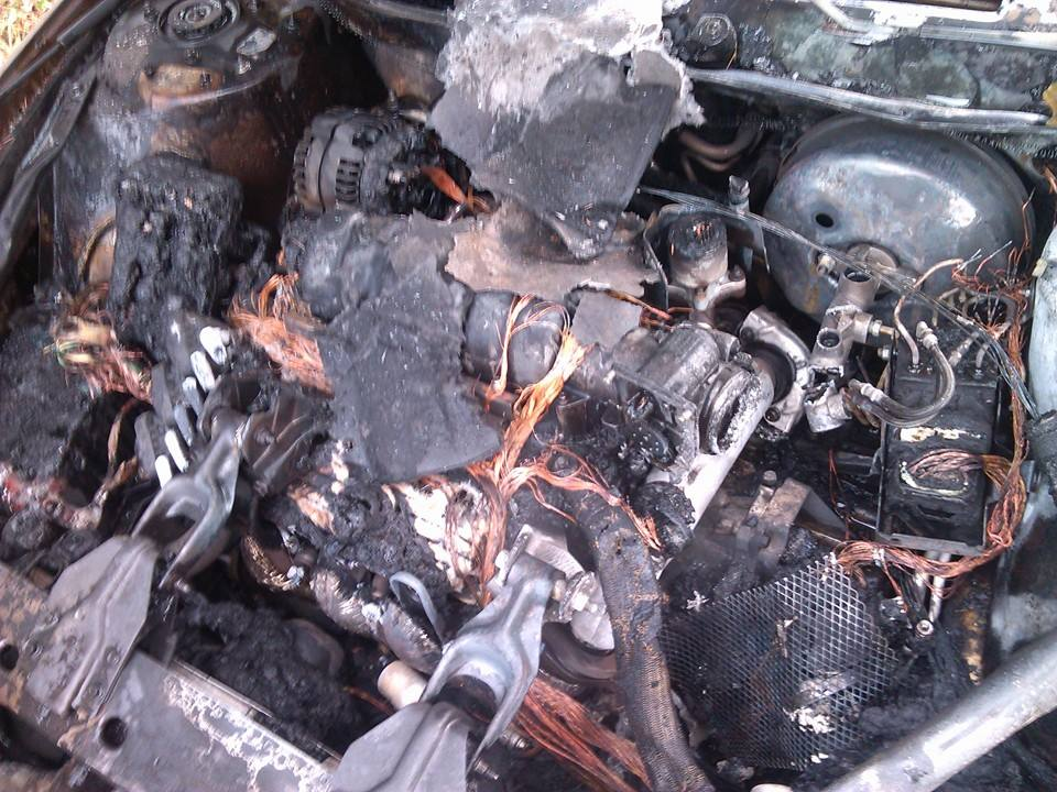 f7509bbc a790 1031 b743 4c3114d2dee3 2004 pontiac grand prix main wiring harness under hood caught fire