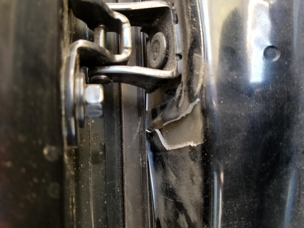 2013 Ford Explorer Water Leaking Into Interior 10 Complaints