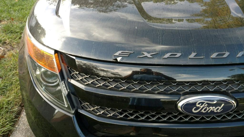 2013 ford explorer paint on hood bubbling around perimeter. Black Bedroom Furniture Sets. Home Design Ideas