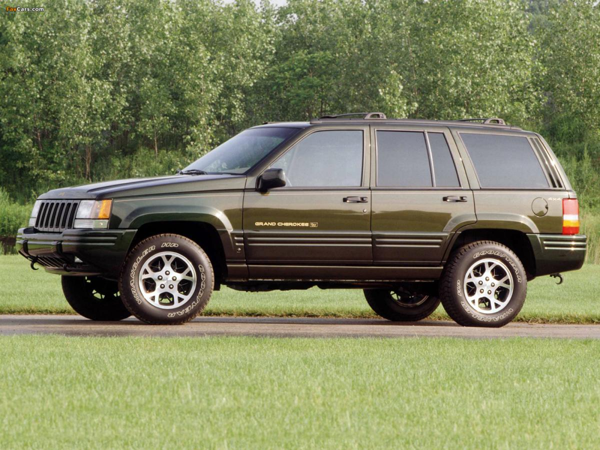 chrysler sued for wrongful death in jeep grand cherokee fire. Black Bedroom Furniture Sets. Home Design Ideas