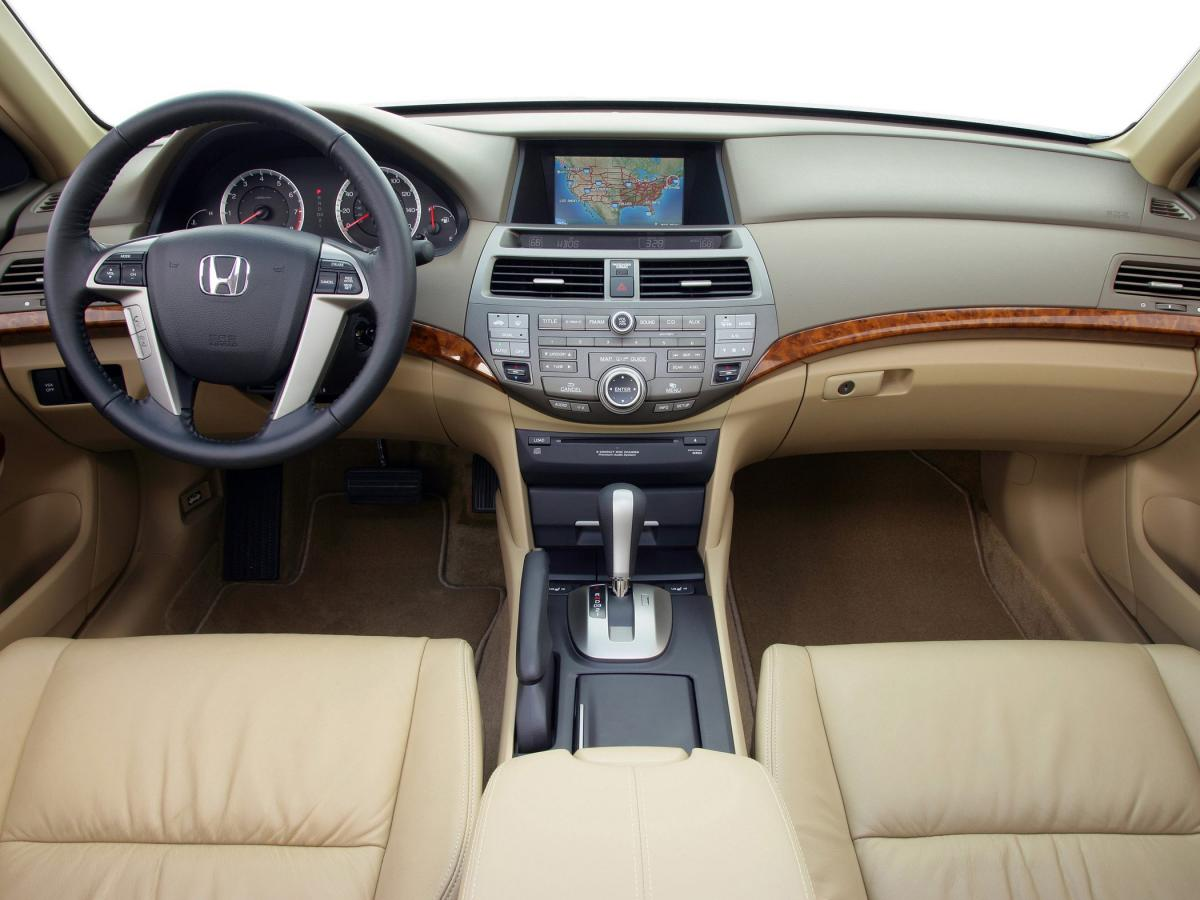 Honda Accord: How the Passenger Airbag Off Indicator Works
