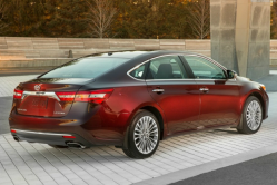 Toyota Recalls Avalon and Camry to Fix Knee Airbags