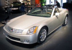 Cadillac XLR Roof Problems Investigated by Feds