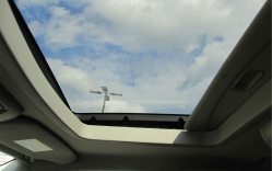 Chrysler Leaking Sunroof Lawsuit Still Alive