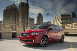 Chrysler Recalls Dodge Grand Caravans Over Airbag Problems