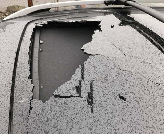 Ford Escape Sunroof >> Exploding Sunroof In Ford Escape Causes Lawsuit Carcomplaints Com