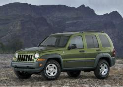 Chrysler Recalls 326,000 Older Jeep Liberty SUVs