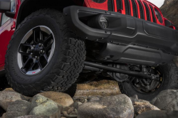 Jeep Wrangler Recall: Track bar brackets separated by frames