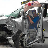 Minivans Fail Miserably In Small Overlap Crash Test