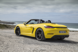 Porsche Recalls 718 Boxters and 718 Caymans Over Fuel Leaks