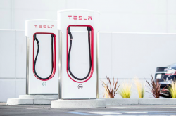 Tesla Lawsuit Claims Ontario Bailed Out of Rebate Program