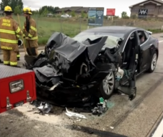 Utah Woman Crashes While Reading Cell Phone, Sues Tesla