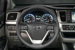 Toyota Highlander Steering Wheels Are Falling Off