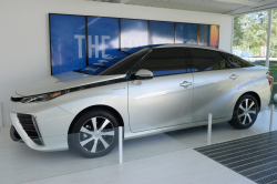 Toyota Fuel-Cell Car Faces Government Hurdles