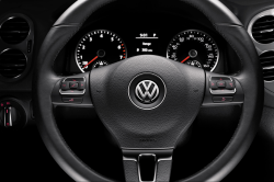 VW Tiguan Limiteds Have Wrong Steering Wheels and Airbags